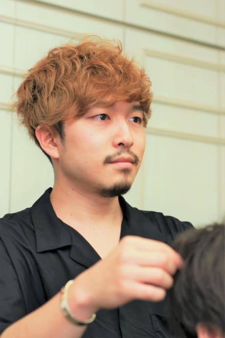 成田 周平