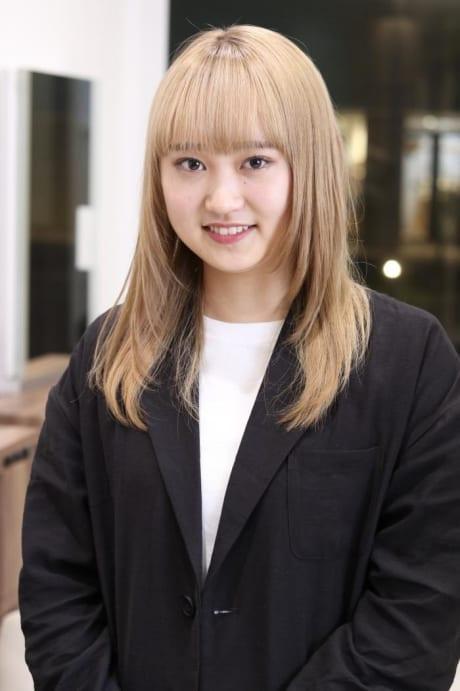 小川 絢子
