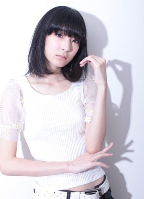 暗髪×ミディアム