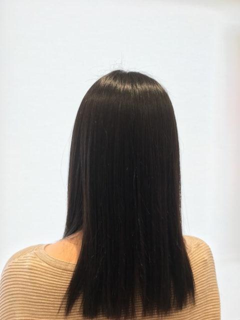 ナチュラルツヤ髪ストレートヘア