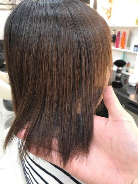 ミディアムの縮毛矯正 (カラー有り)