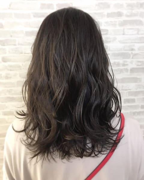 イルミナカラーで落ち着いた暗髪カラー!