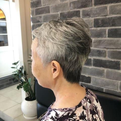 【髪の毛のボリュームでお悩みの方】ポイントパーマでふんわりショートヘア