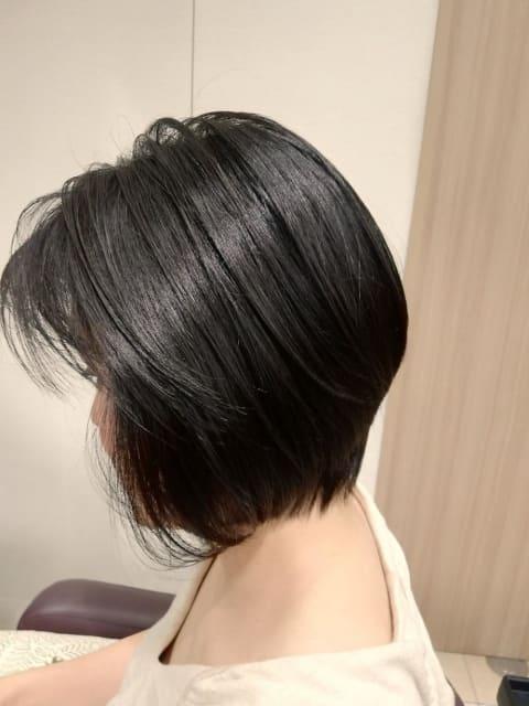 大人の黒髪ハンサムショート