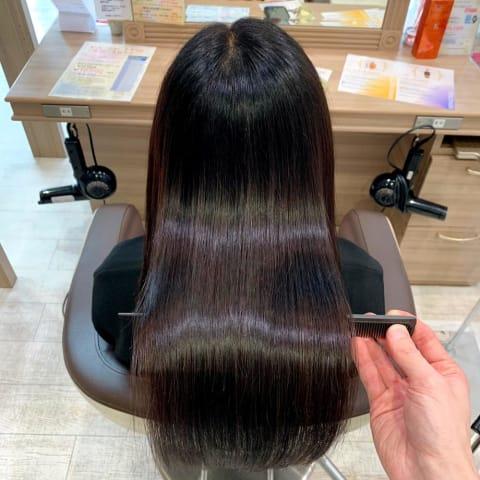 艶髪になれる「髪質改善縮毛矯正」