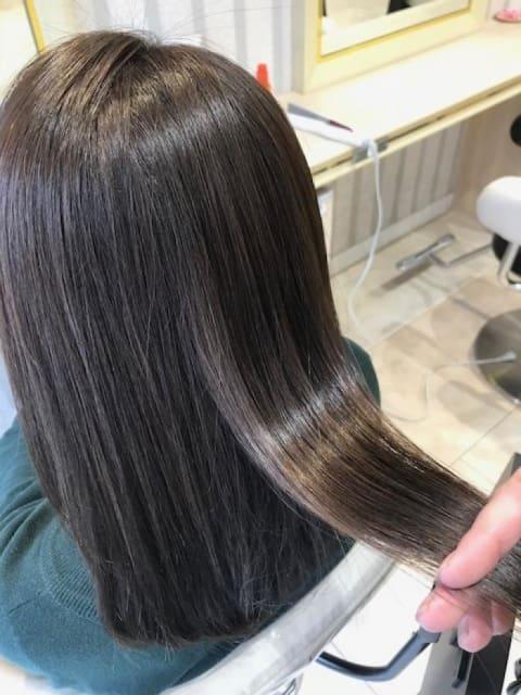 ☆大人女性の髪質を艶やかに美しく見せる縮毛矯正☆