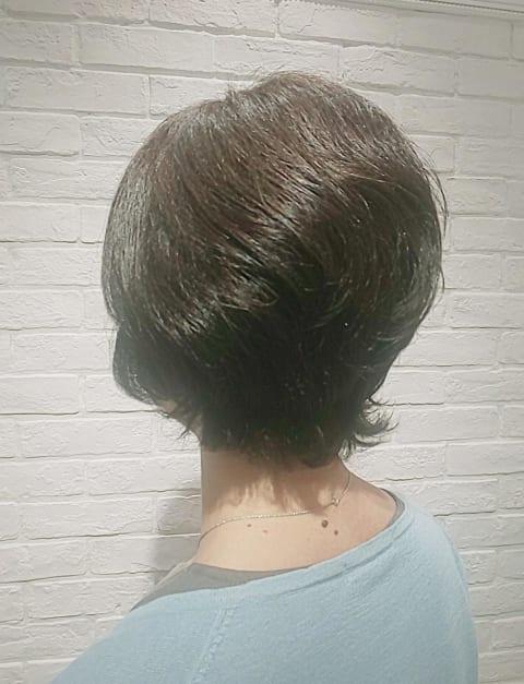 くせ毛をいかしたショートカット