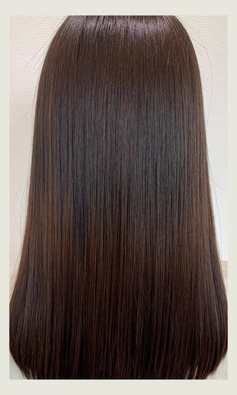黒髪大人女子の髪質改善縮毛矯正