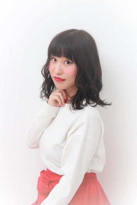 【黒髪なのに軽い☆】ミディアムカール