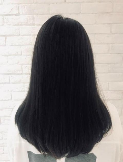 黒髪ストレートスタイル