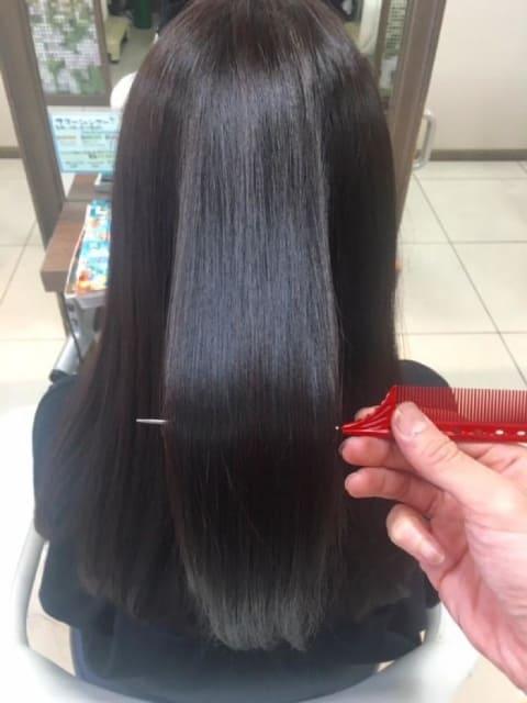 ダメージレス縮毛矯正で髪質改善