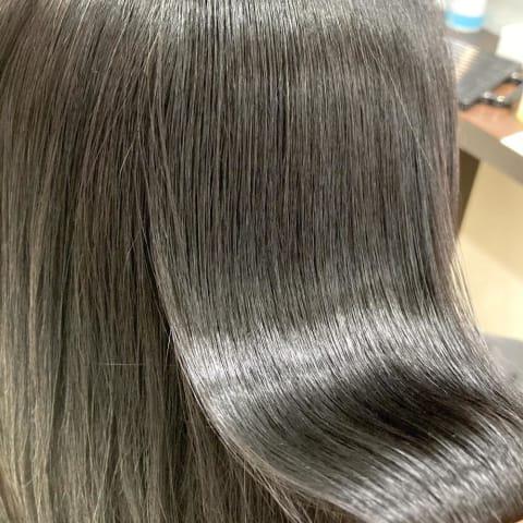 縮毛矯正で髪質改善へ⭐︎