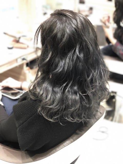 艶髪アッシュグレー