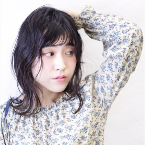 ミディアムヘア × S字カール