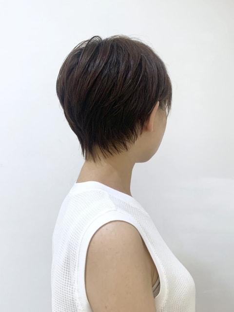 サイドシルエット抜群ショートヘア