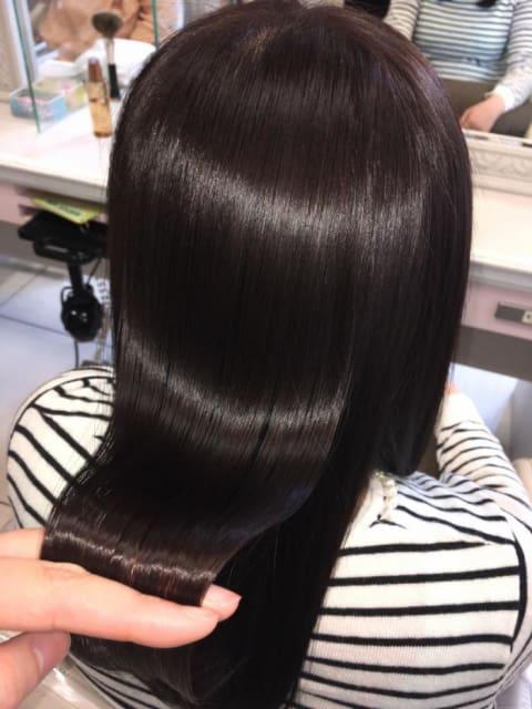 【くせ毛の方必見!】ナチュラルなツヤ髪ストレート