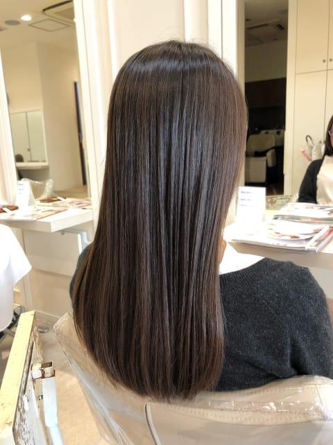 ○ダメージレスの縮毛矯正でツヤツヤストレートヘア○