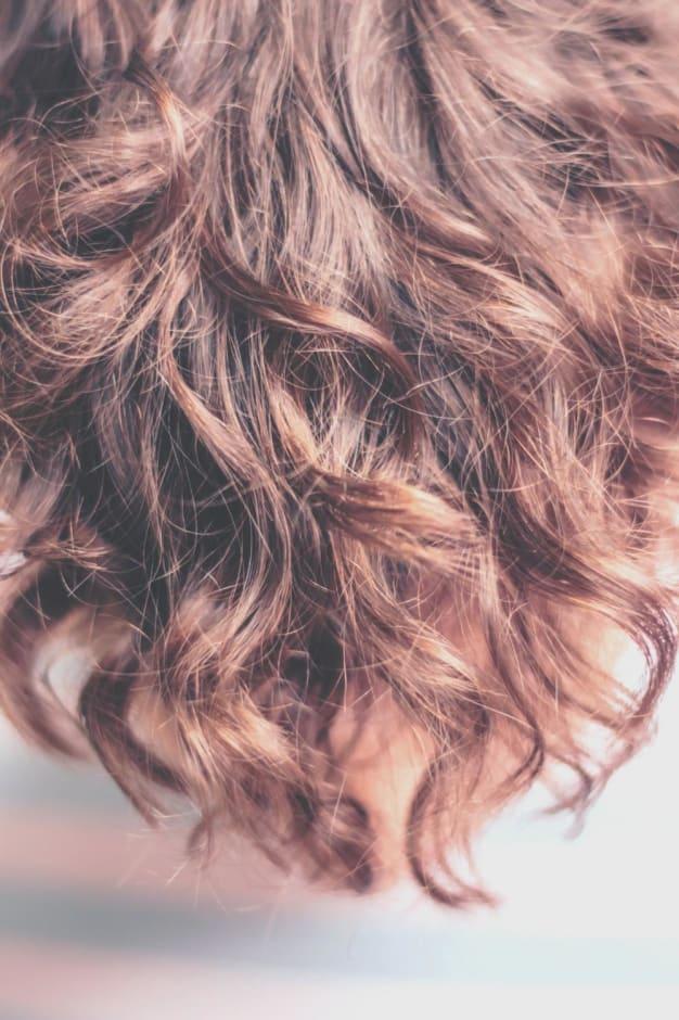 【くせ毛をのばしたい人必見!!】 たった3分でわかる✴️縮毛矯正とストレートパーマの違い✴️