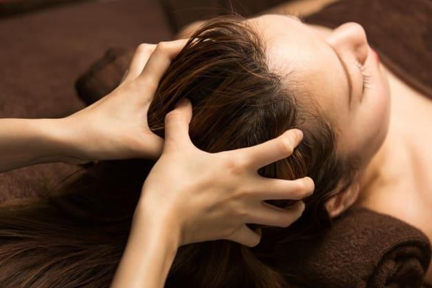 気になる抜け毛や脱毛の原因