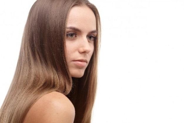 くせ毛や広がる髪が理想のストレートヘアに!『縮毛矯正』