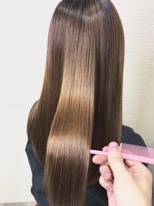 髪質改善縮毛矯正とカラーって同時にできるの??