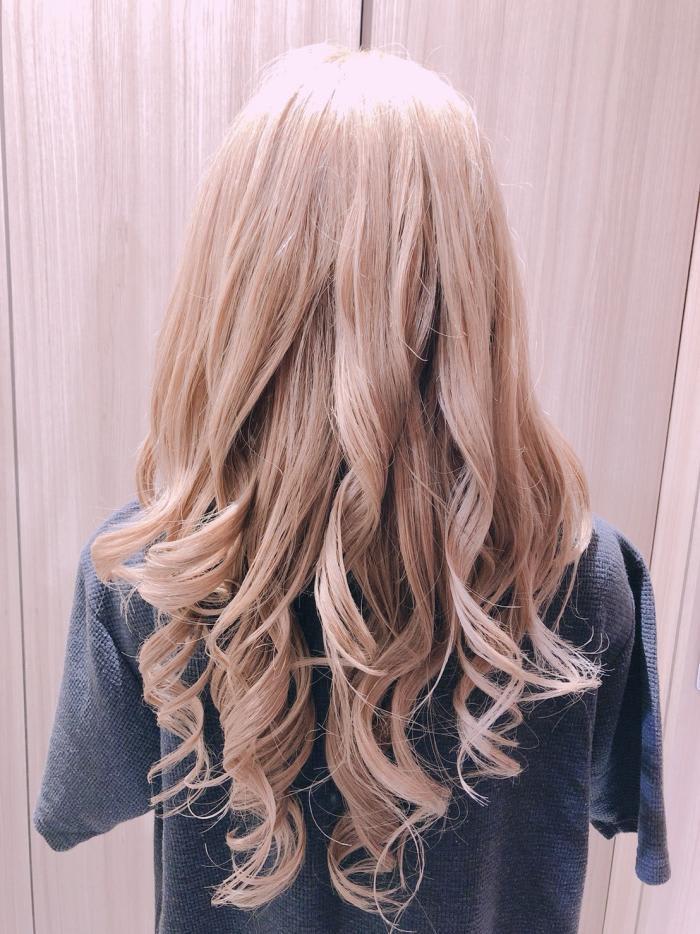 ベースの巻き髪を作る