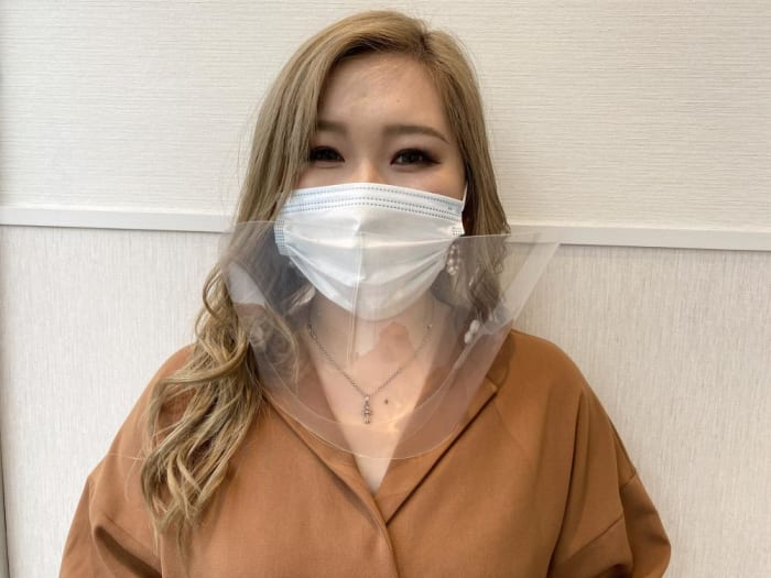 スタッフはマスク、シールドを着用してのご対応!