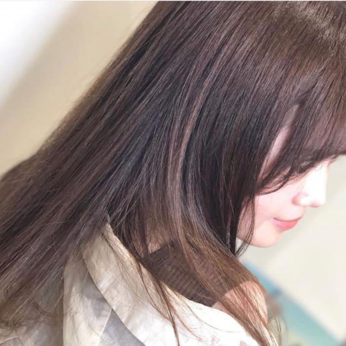 自分の髪質にベストな縮毛矯正メニューって?それぞれの特徴とメリット・デメリットを解説