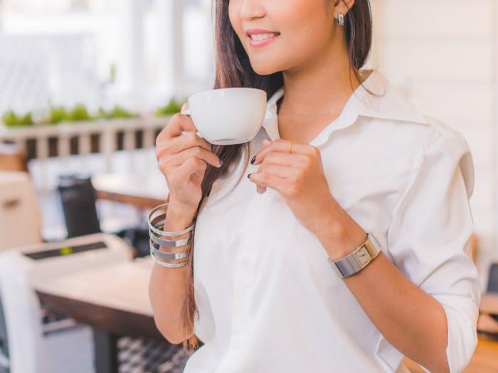 胃の冷えは女性に大敵!常温以上の飲み物を意識してとる習慣を