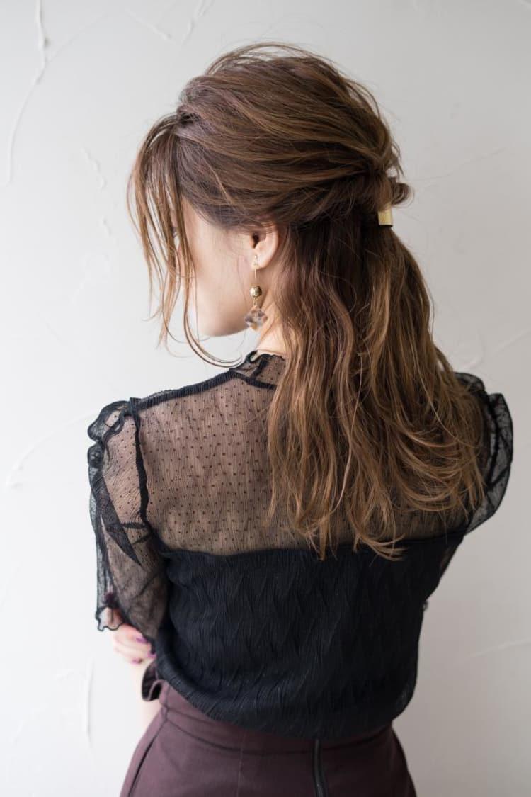 簡単くせ毛風後れ毛のざっくりハーフアップ|サブ写真④