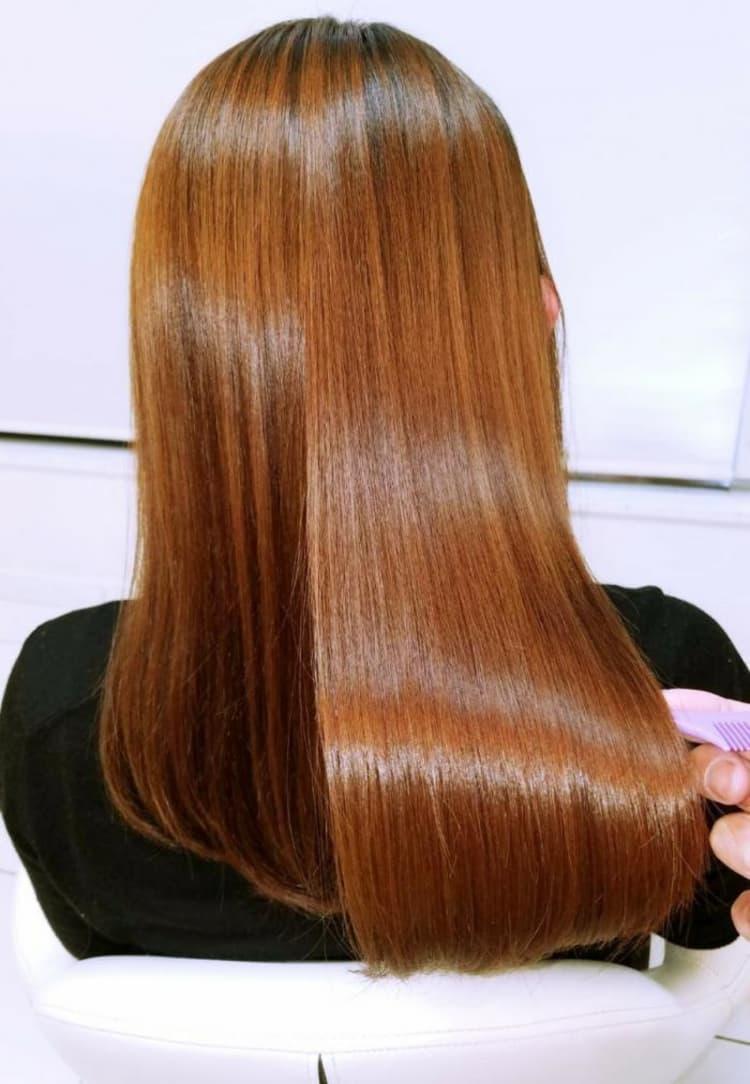 明るめなカラー毛にも〇!ボリュームダウン縮毛矯正でおさまりやすく! メイン写真