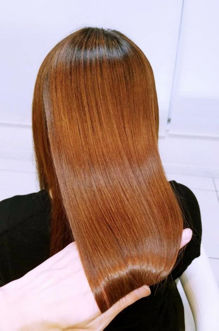 明るめなカラー毛にも〇!ボリュームダウン縮毛矯正でおさまりやすく! サブ写真②