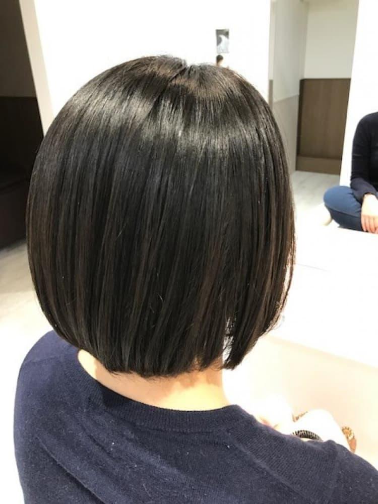 縮毛矯正でも自然な丸みのあるボブスタイル|メイン写真