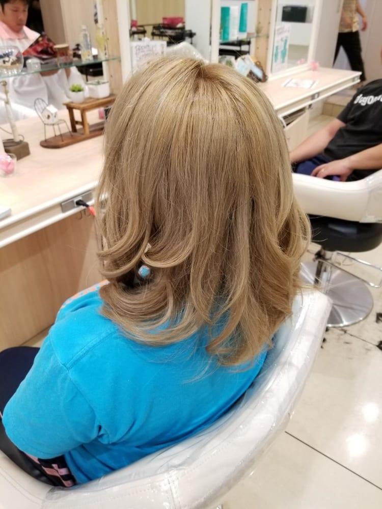 巻き髪ミルクティーベージュ|メイン写真