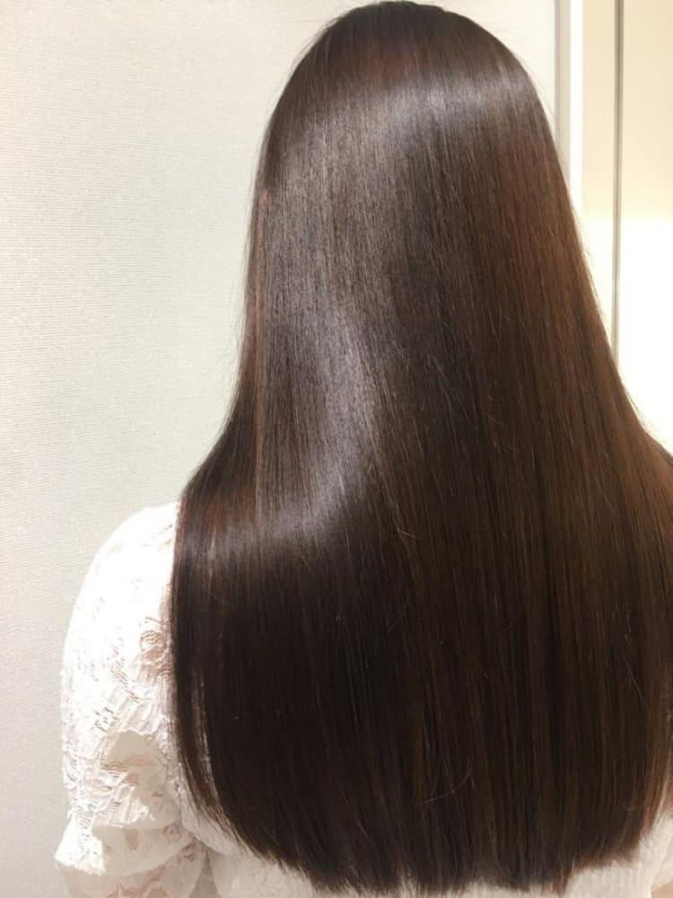 髪色で魅せるストレートロングヘア|サブ写真⑤