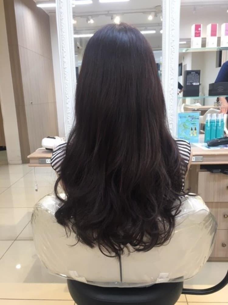 イルミナカラーで艶髪ロング メイン写真