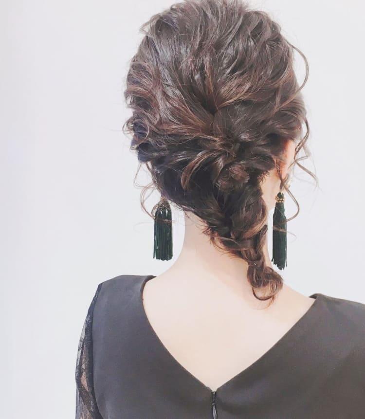 【ヘアアレンジ ミディアム】可愛いまとめ髪|メイン写真