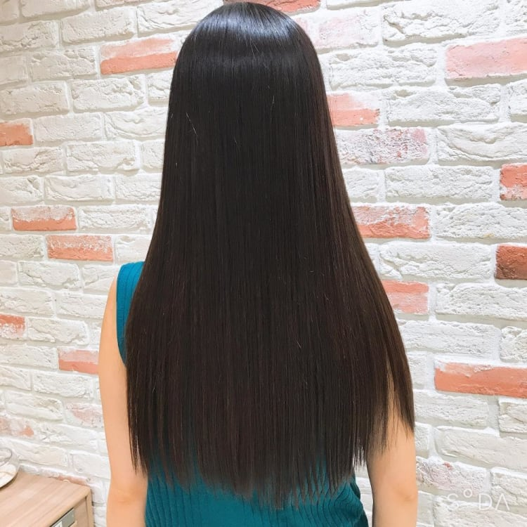 髪質改善縮毛矯正で繰り返しても艶さら持続のロング|サブ写真②