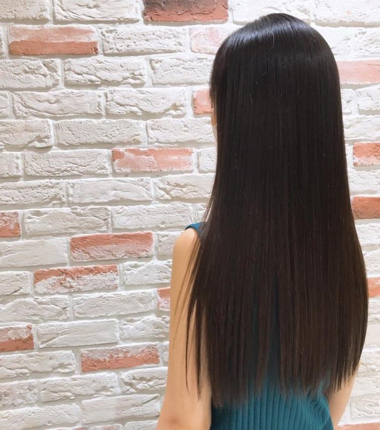 髪質改善縮毛矯正で繰り返しても艶さら持続のロング|サブ写真③