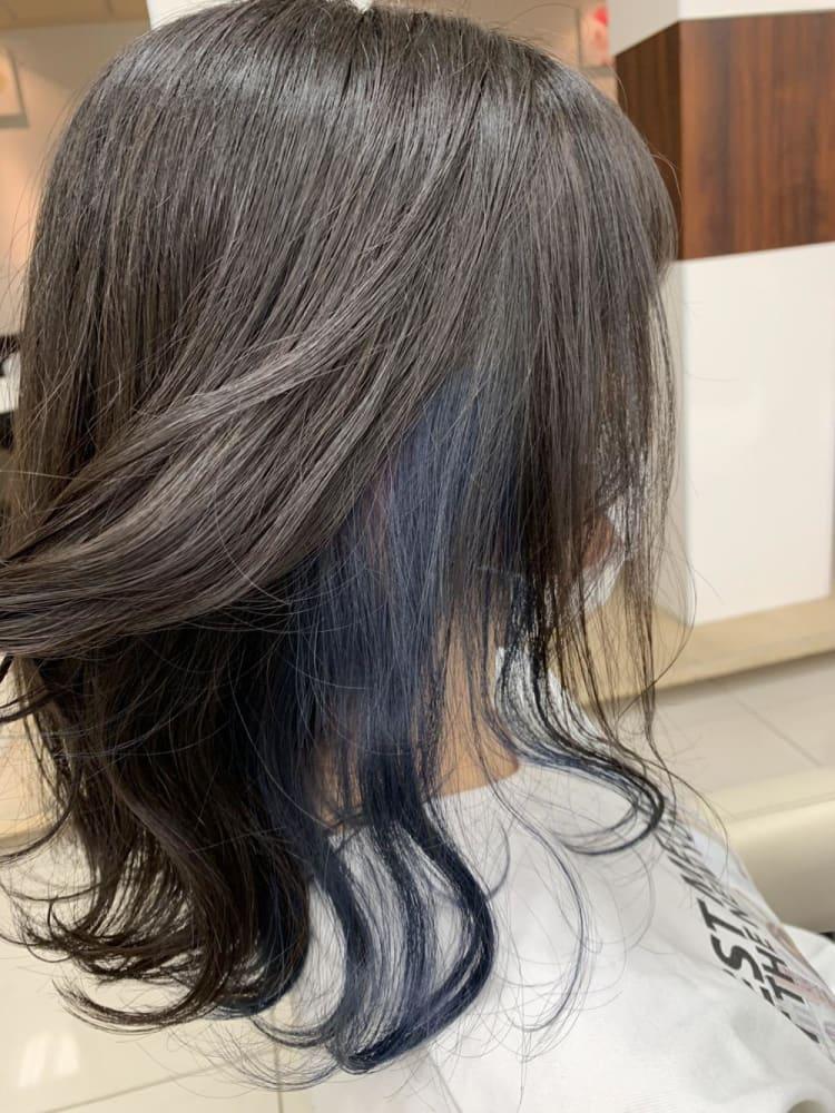 インナーカラー ブルー ブリーチ|メイン写真