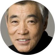 Akira Emoto