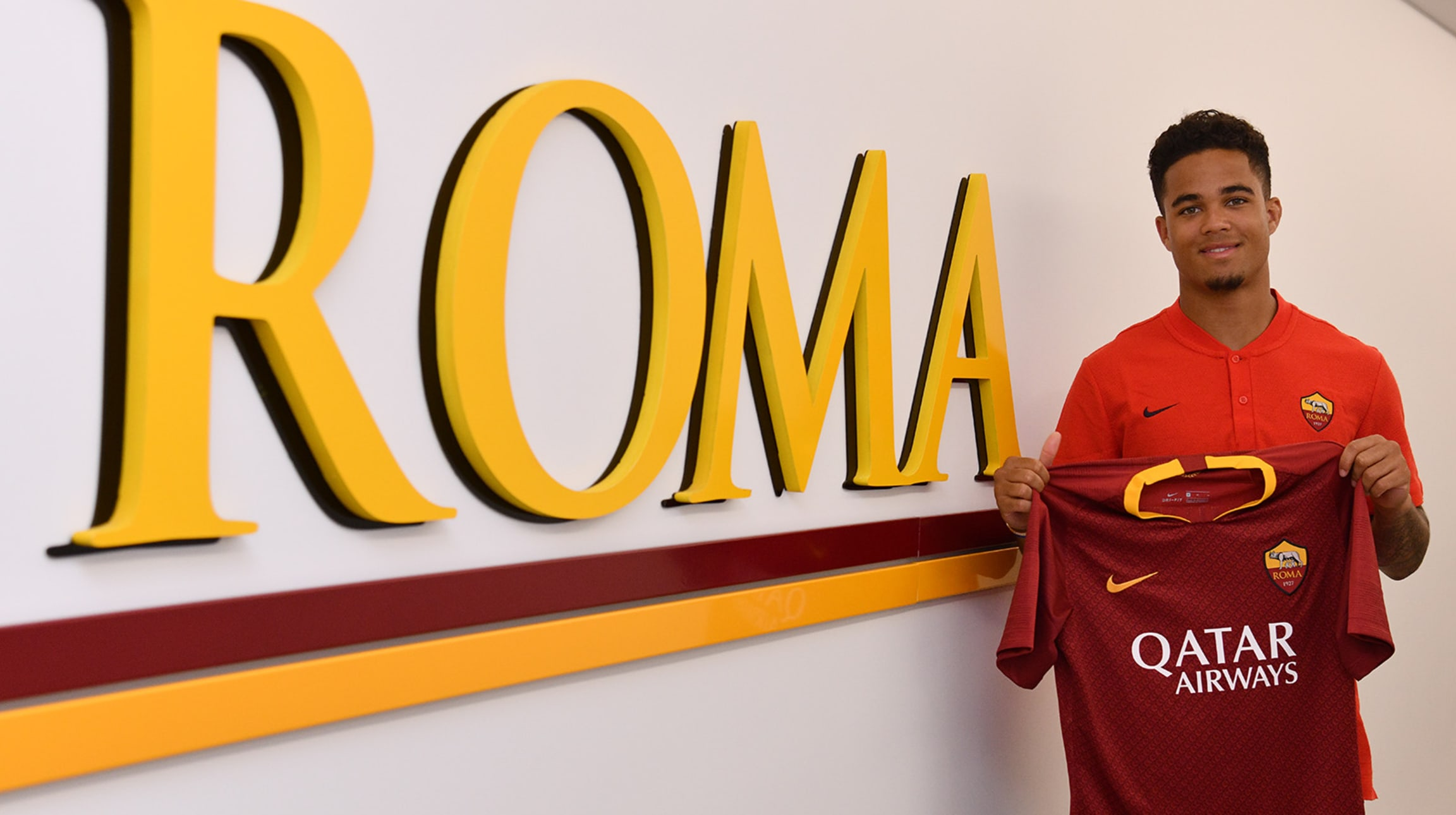 Justin Kluivert signs for Roma 4287458a7