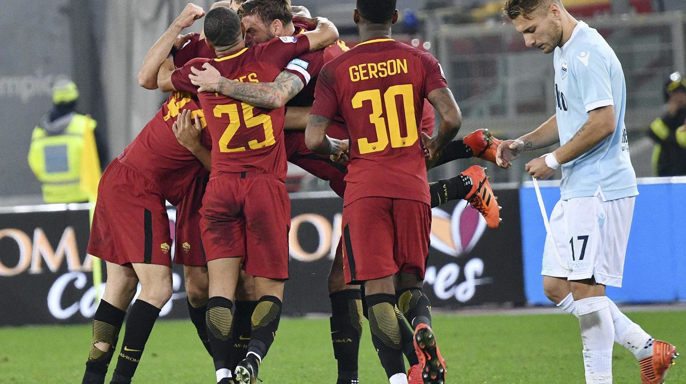 ab335d79c Fox Sports   We are the city  - Roma beats Lazio 2-1 in heated derby