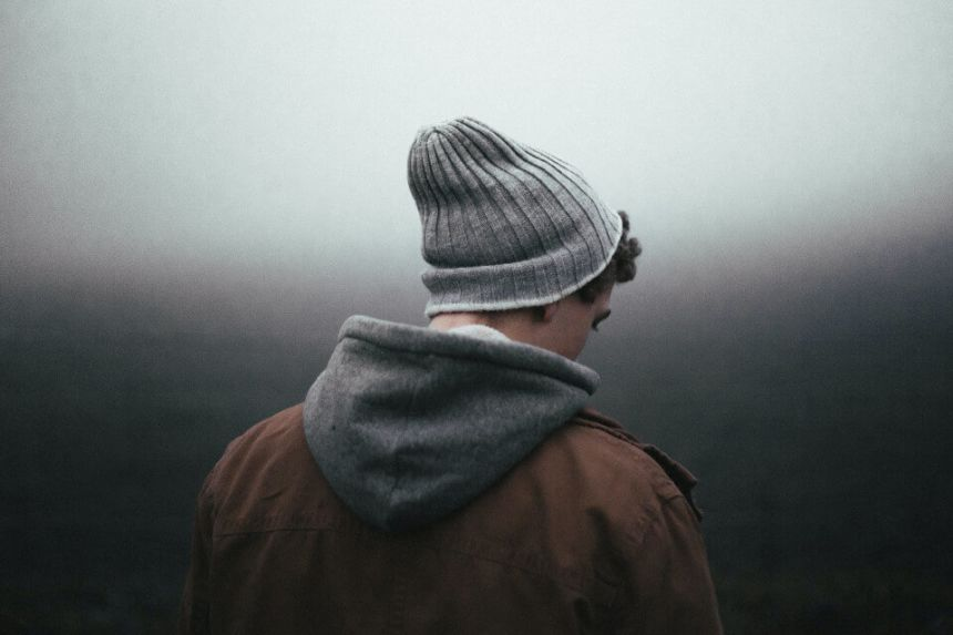 10 Signs a Pisces Man is Not Into You