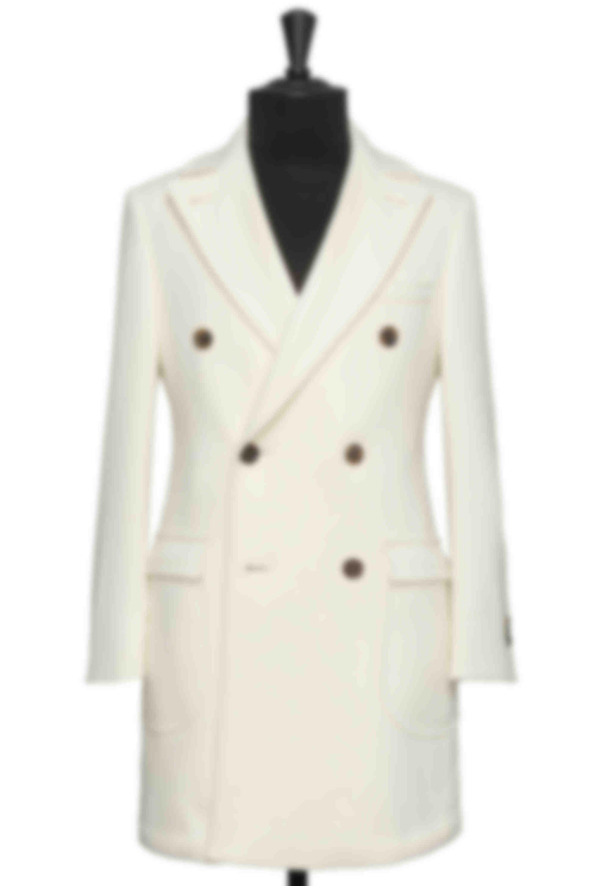 Manteau sur mesure cachemire blanc cassé Loro Piana par Atelier Mesure