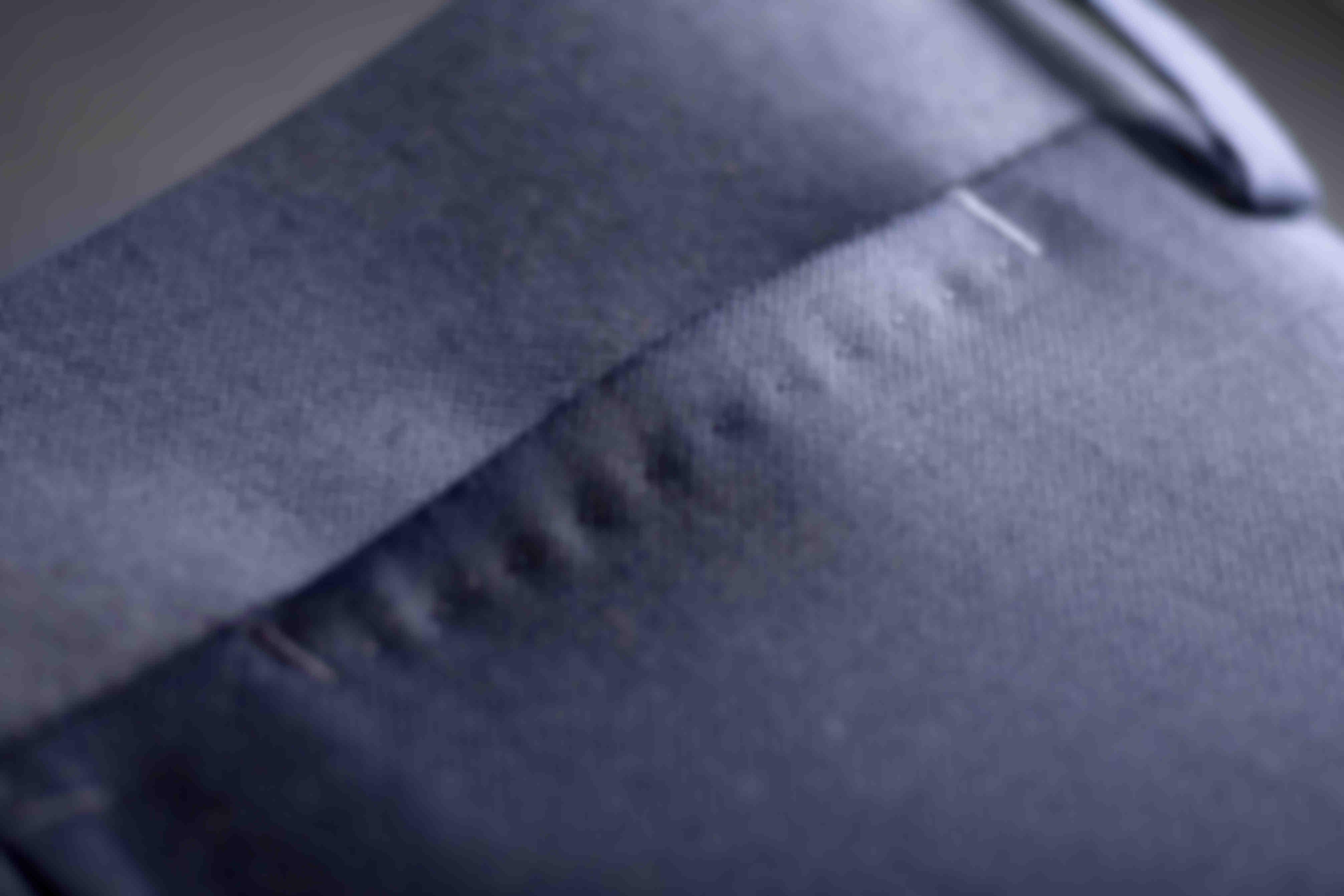 Zoom sur les AMF au niveau des poches ticket des pantalons Atelier Mesure