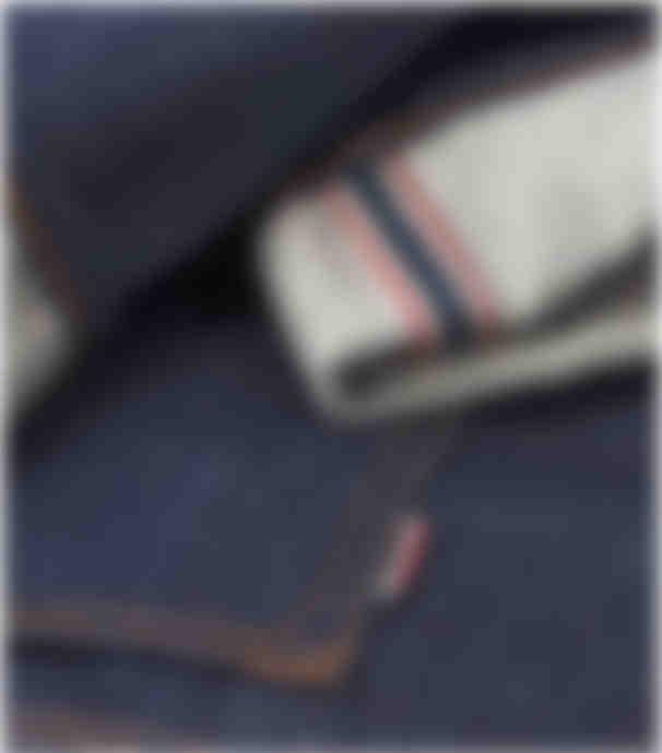 Zoom sur jean sur mesure en toile japonaise Kurabo par Atelier Mesure