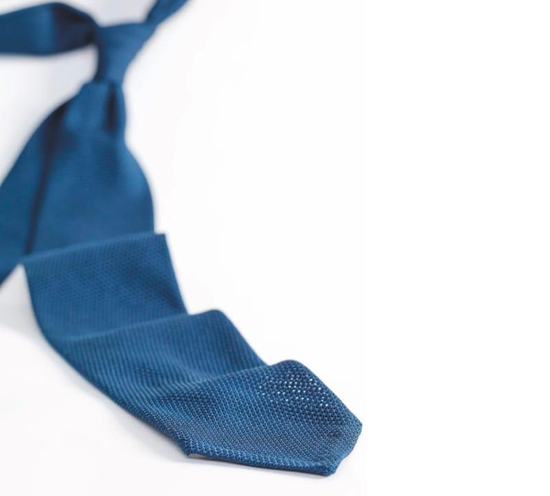 Cravate grenadine bleu sur mesure
