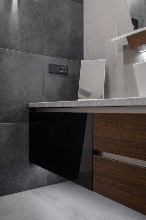 Kupaonica sa visećim elementom
