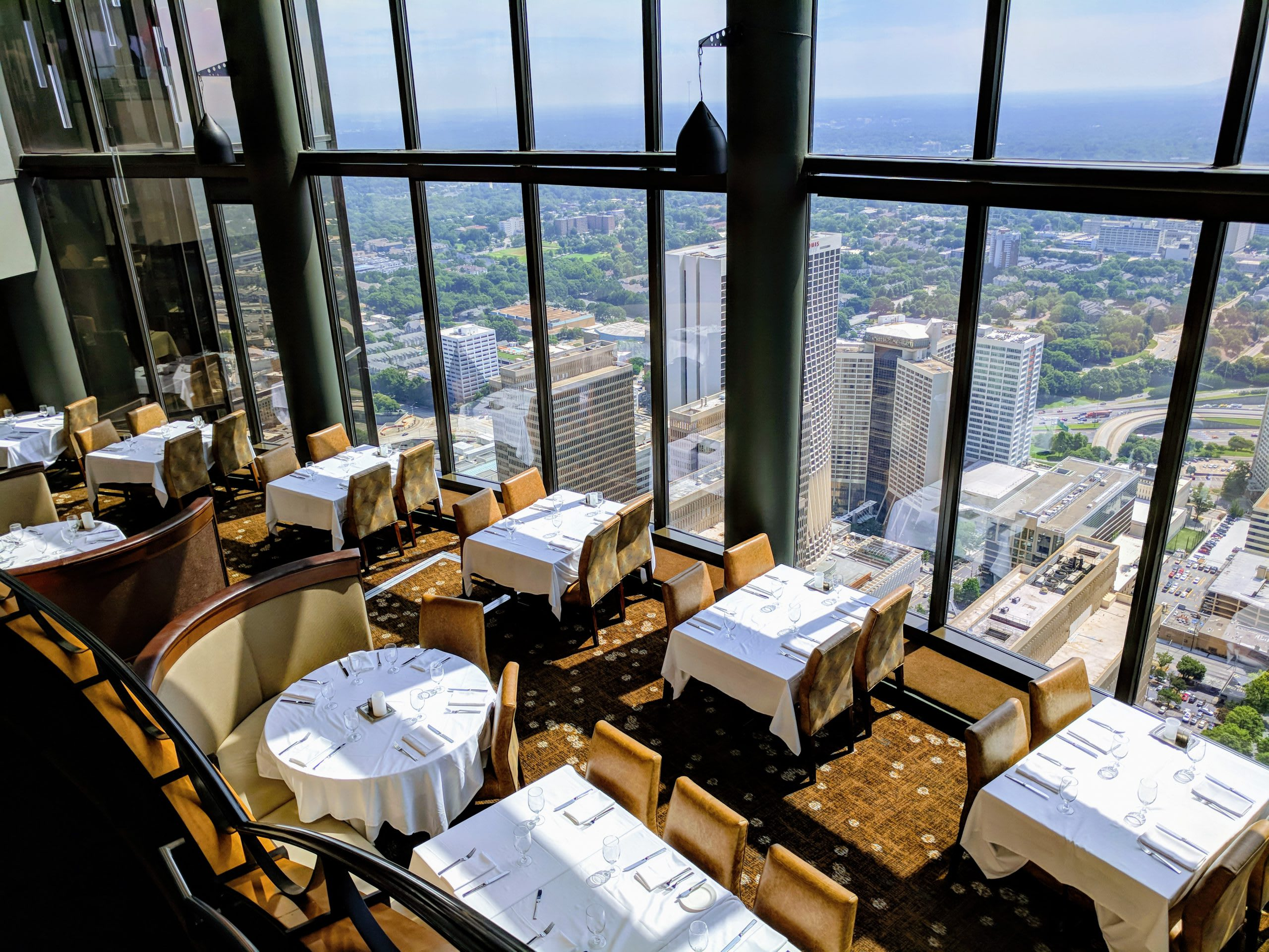 Sun Dial Restaurant, Bar & View
